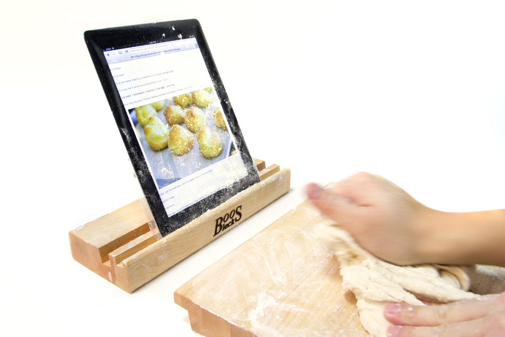 iblock-cutting-board-with-stand