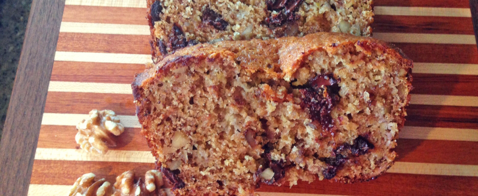 Easy, Delicious Walnut Banana Bread