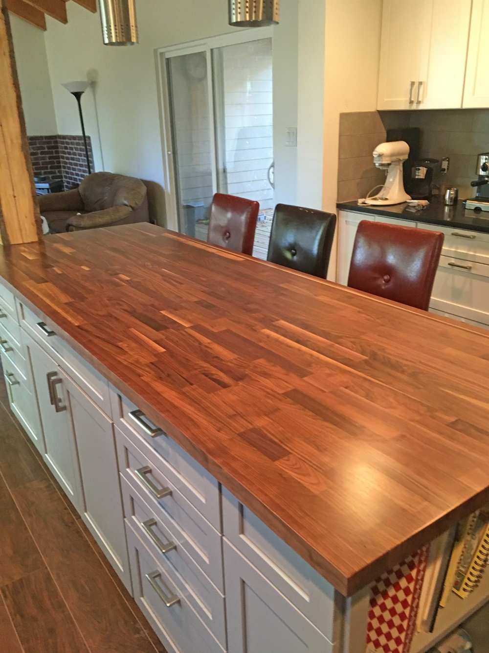 Happy Customers Blended Walnut